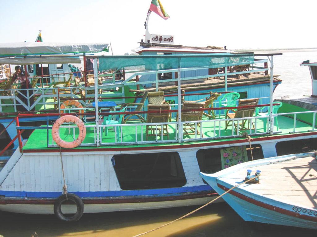 Myanmar-Rundreise-Mandalay-Faehre-Boot