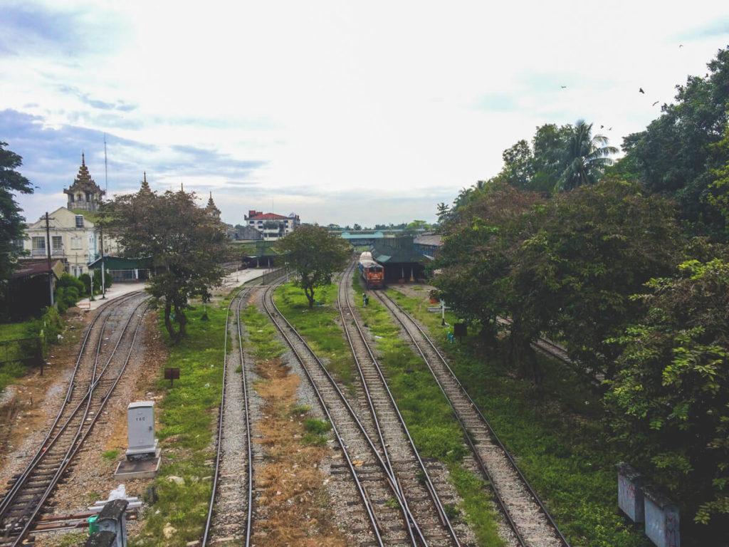 Myanmar-Rundreise-Yangon-Circle-Train