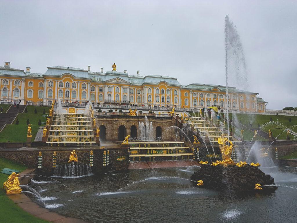 St-Petersburg-Highlight-Russland-Peterhof-Großer-Palast