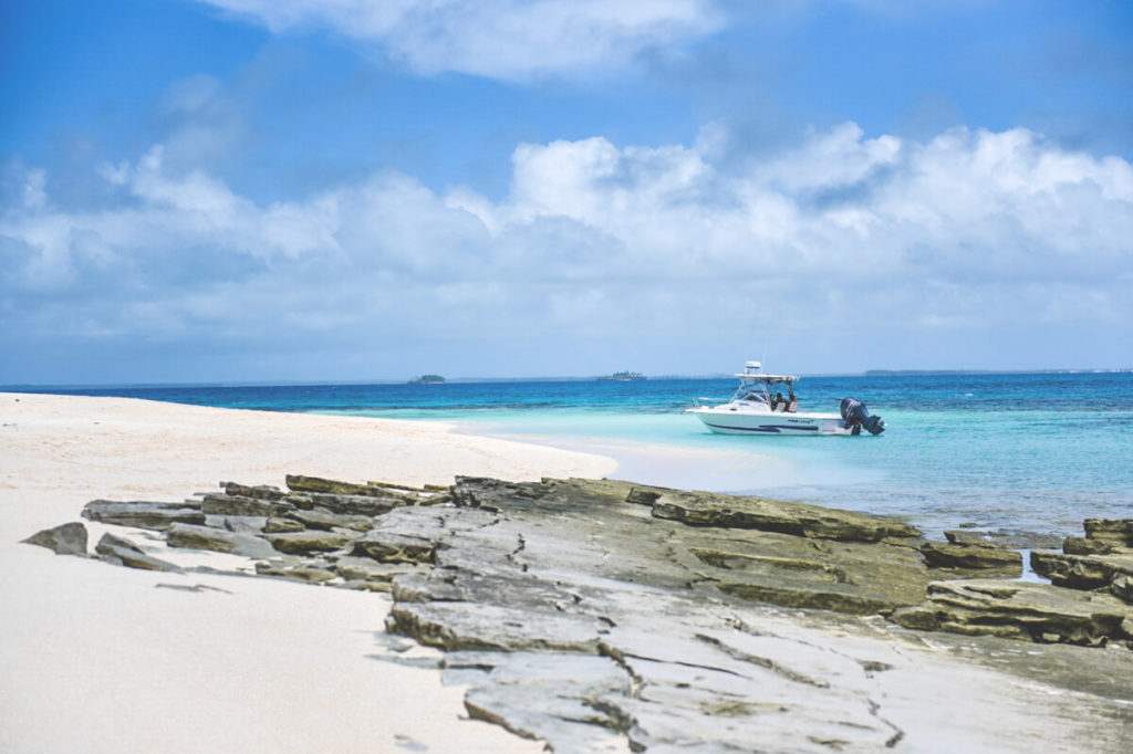 tonga-reise-ausflug-boot-meer