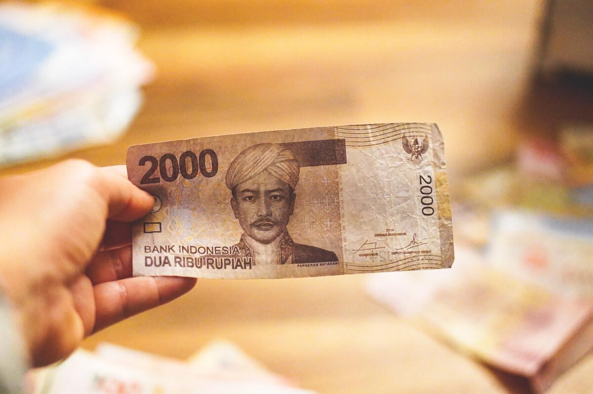 Bargeld-Waehrung-Indonesien-Geldschein-Rupiah