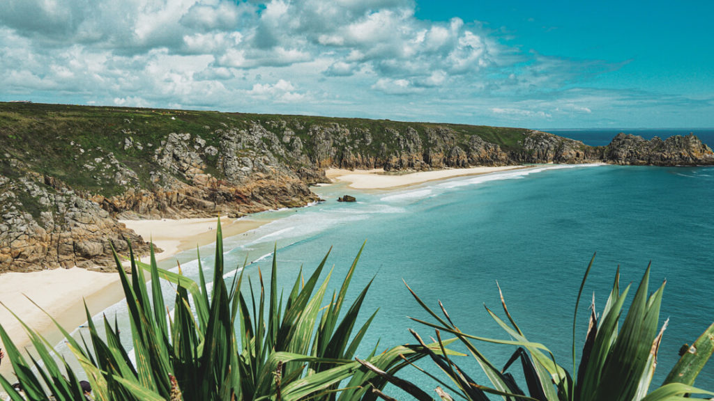 Porthcurno-Beach-in-Cornwall-Highlight-England-Rundreise