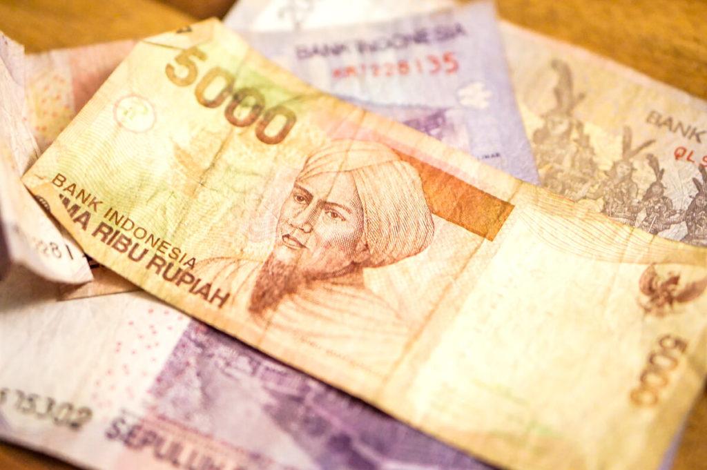 Waehrung-Indonesien-Geldschein-Bargeld-Rupiah