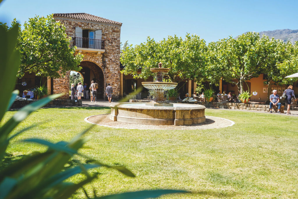 innenhof-waterford-estate-suedafrika-winelands