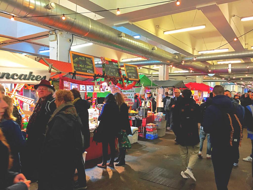 Brick-Lane-Market-East-London-Halle