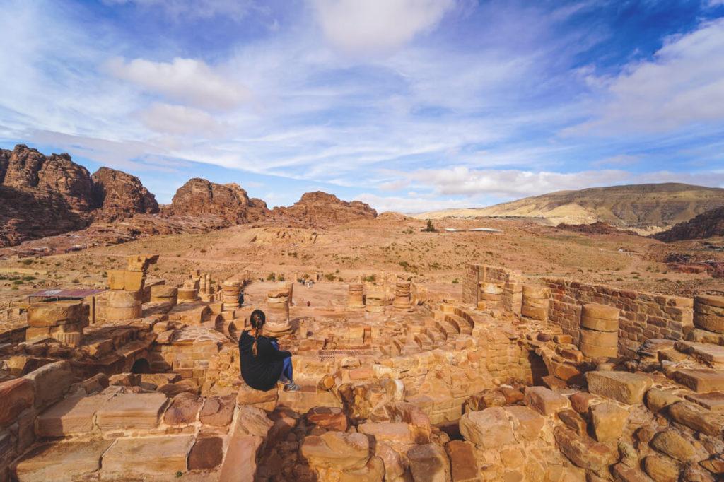 Felsenstadt-Petra-Jordanien-grosser-tempel