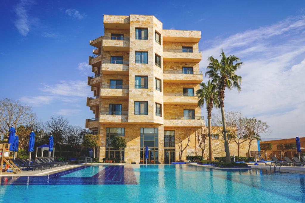 Totes-Meer-Jordanien-Ramada-Resort-Pool-2