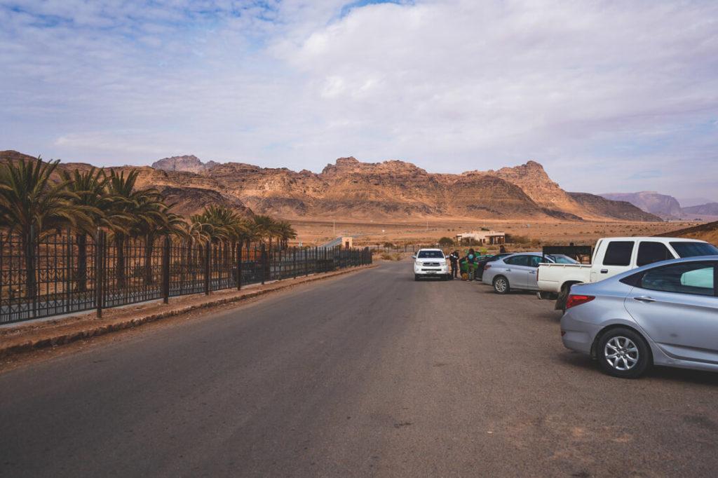 Wadi-Rum-Jordanien-Visitor-Center-Parkplatz