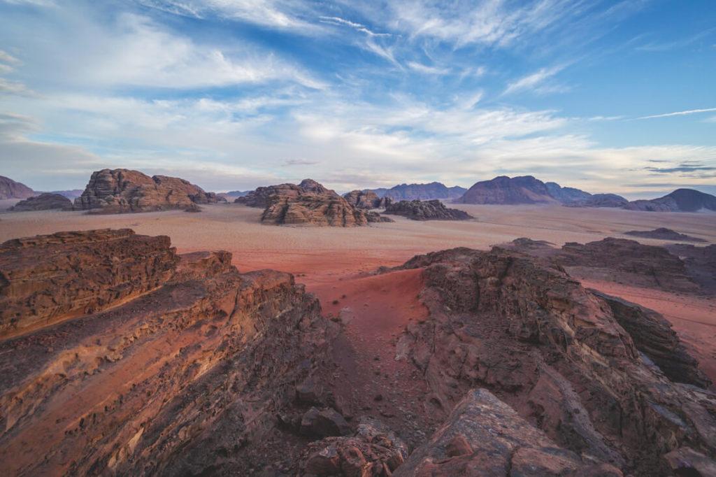 Jordanien Urlaub Wadi Rum Wüste Sonnenuntergang