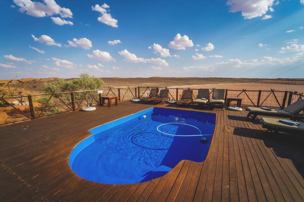 Xaus-Lodge-Pool-Suedafrika