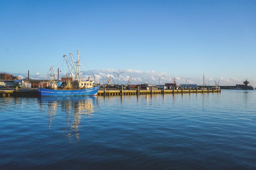 Hafen-Buesum-Nordsee-Boote