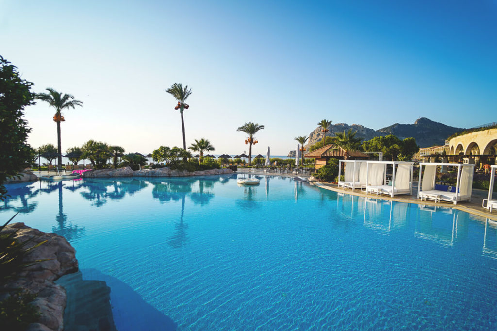 Rhodos-Sehenswuerdigkeiten-TUI-BLUE-Atlantica-Imperial-Resort-Pool