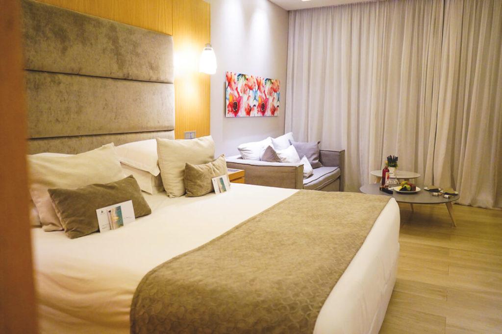 Rhodos-Sehenswuerdigkeiten-TUI-BLUE-Atlantica-Imperial-Resort-Zimmer