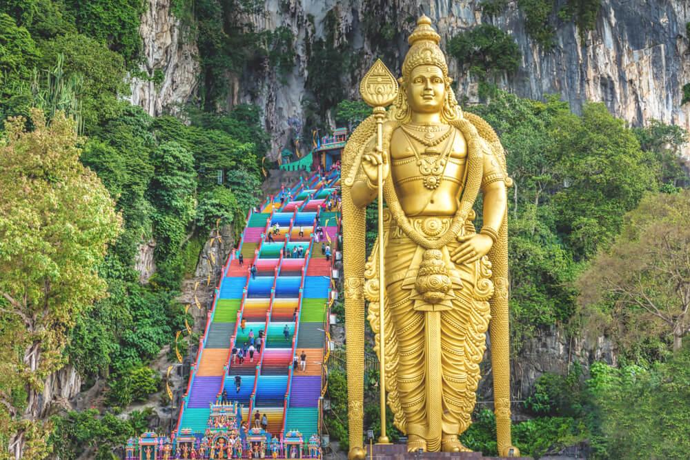 Malaysia Kuala Lumpur Batu Caves Höhlen Eingang Statue