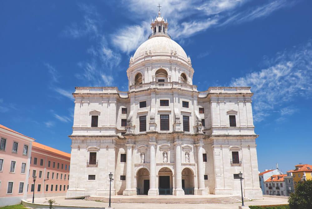 Kirche-Santa-Engracia-Lissabon-Sehenswuerdigkeiten