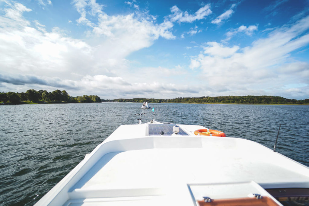 Mecklenburgische-Seenplatte-Hausboot-Locaboat-Malchow