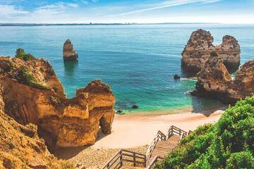 POrtugal-Reiseblog-Strand-Algarve-Felsen