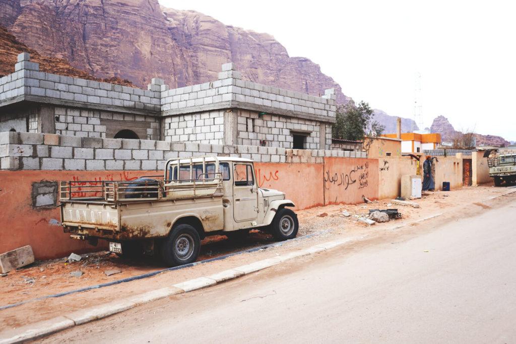 Autofahren-in-Jordanien-Parken-Strassen