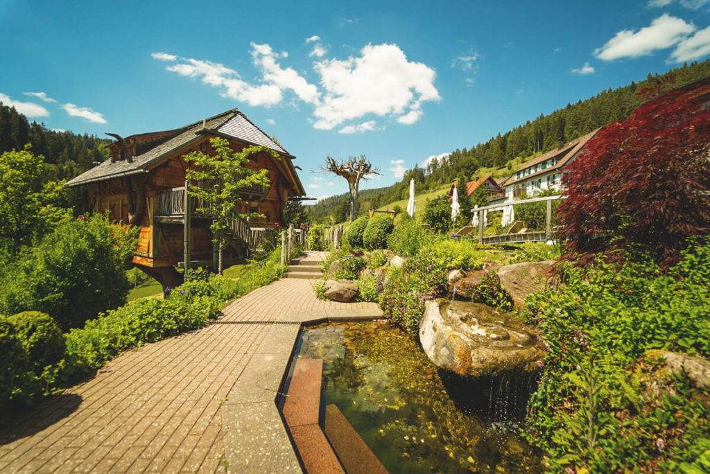 Garten-Wellnesshotel-Tanne-Baiersbronn-Tonbach-Schwarzwald