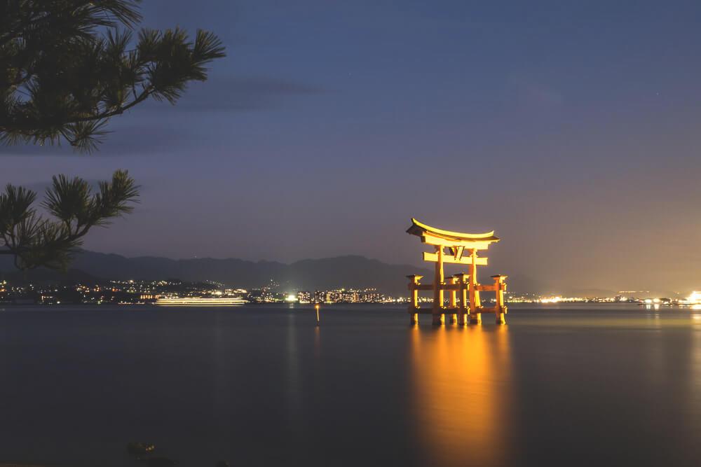 Hiroshima-Japan-Rundreise-Torii-Miyajima