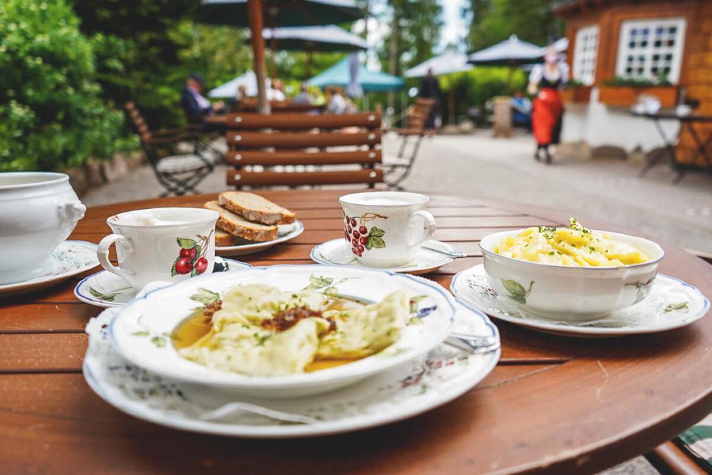 Schwarzwald-baiersbronn-wanderhuette-sattelei-einkehr