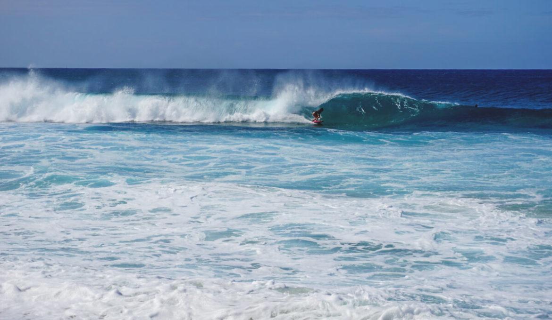 Hawaii-Highlights-North-Shore-Strand-Surfer-Oahu
