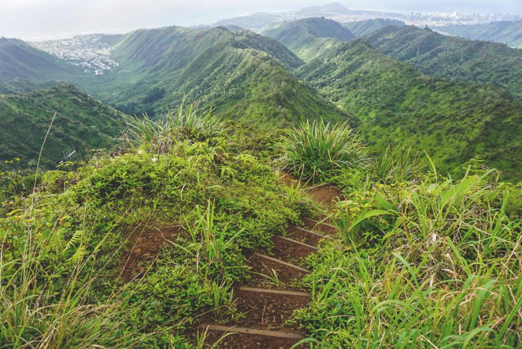 Hawaii-Highlights-Wiliwilinui-Ridge-Trail (1)
