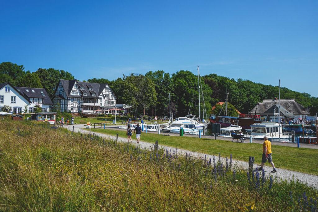Insel-Hiddensee-Kloster-Hafen