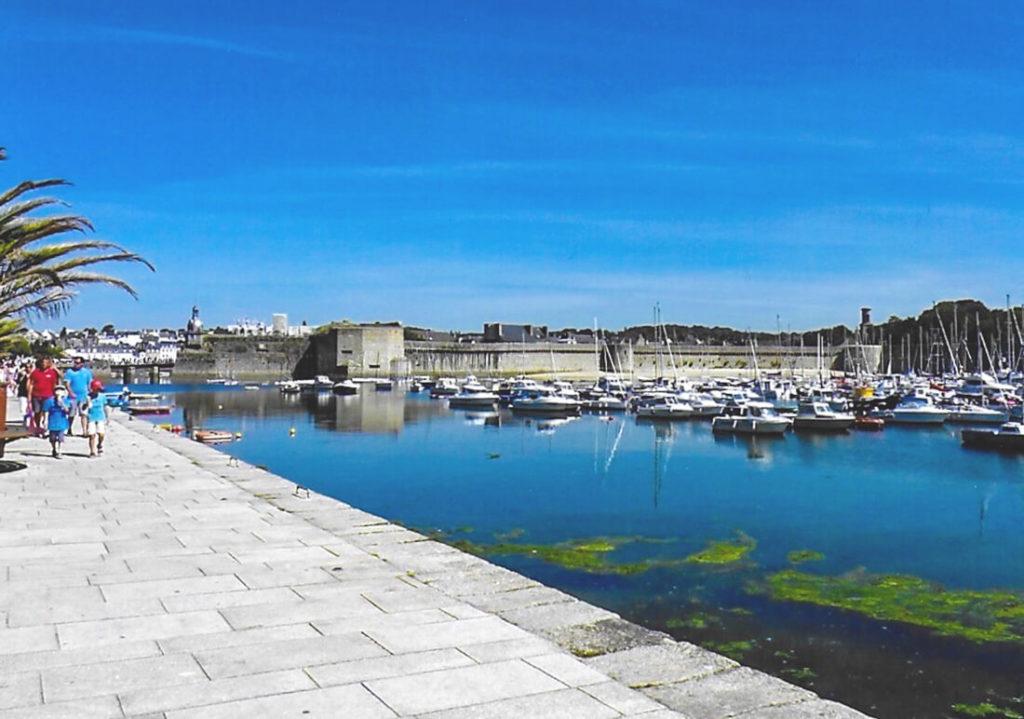 Nordfrankreich-Bretagne-Hafen-von-Concarneau