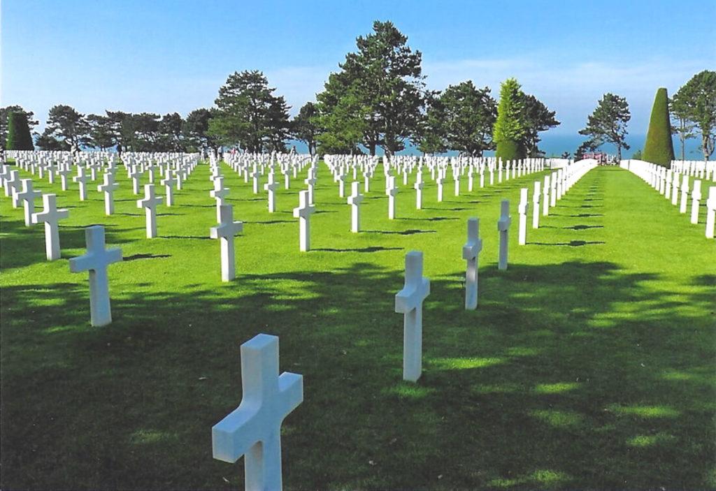 Nordfrankreich-Normandie-Soldatenfriedhof-Graeber