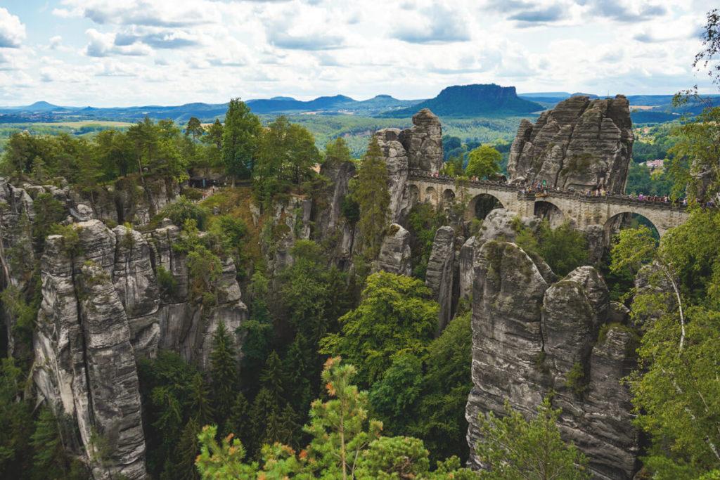 Bastei-Basteibruecke-Ferdinandaussicht