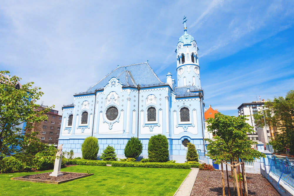 Bratislava-Highlights-Blaue-Kirche