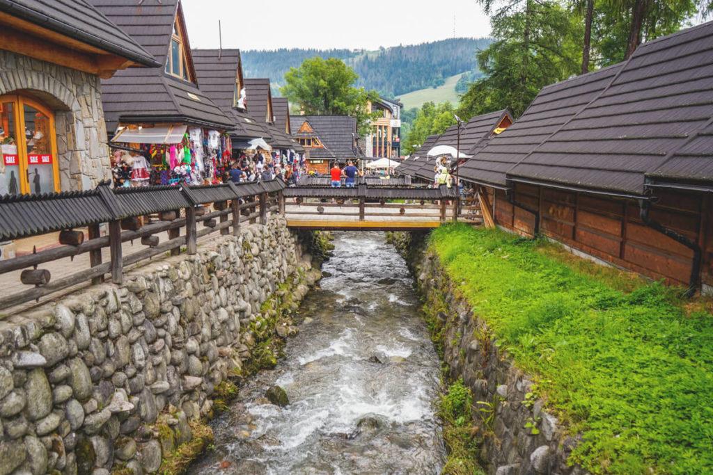 Hohe-Tatra-in-Polen-Zakopane-Stadt