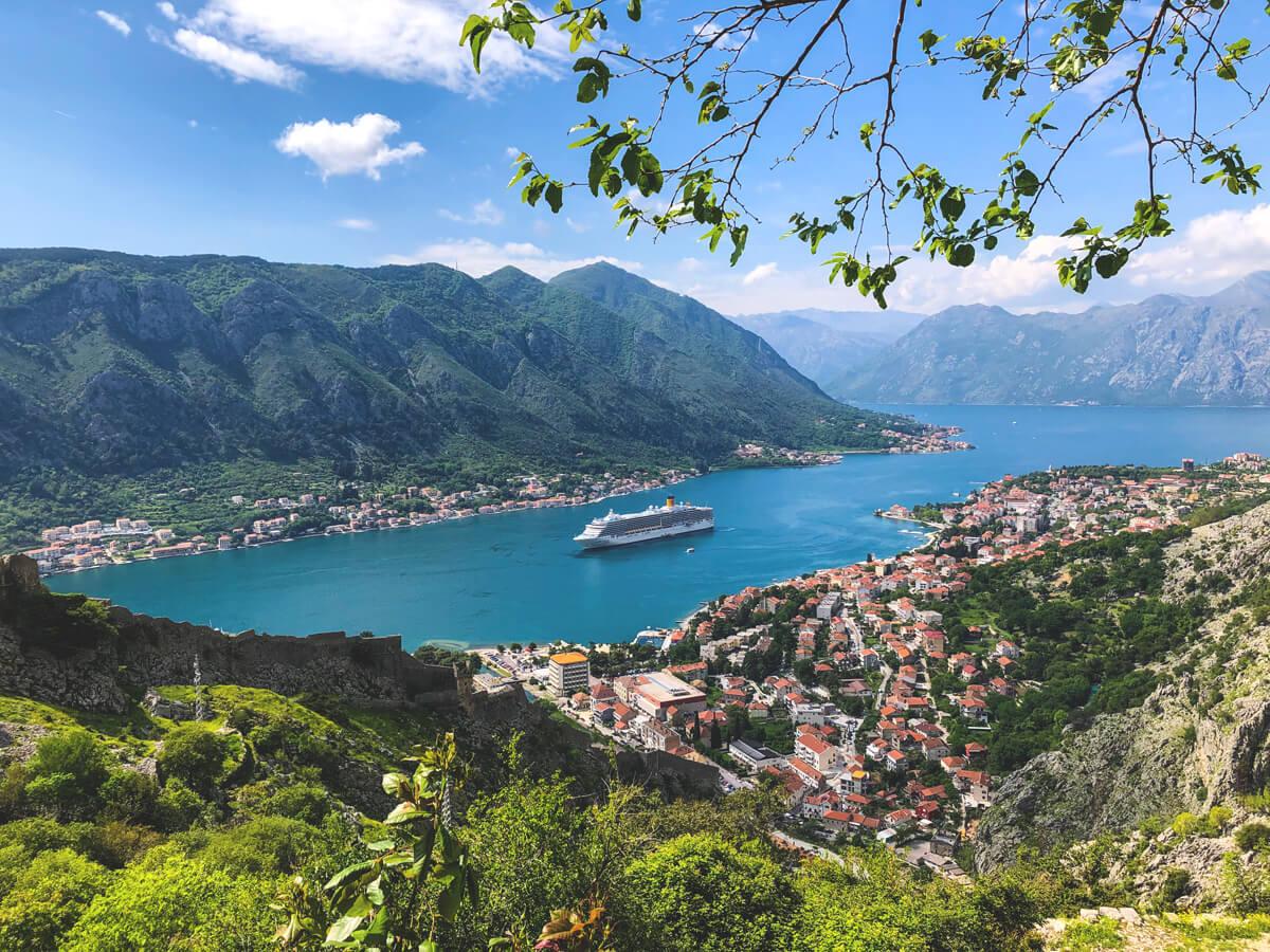 Montenegro-Sehenswuerdigkeiten-Highlights-Bucht-Kotor (1)