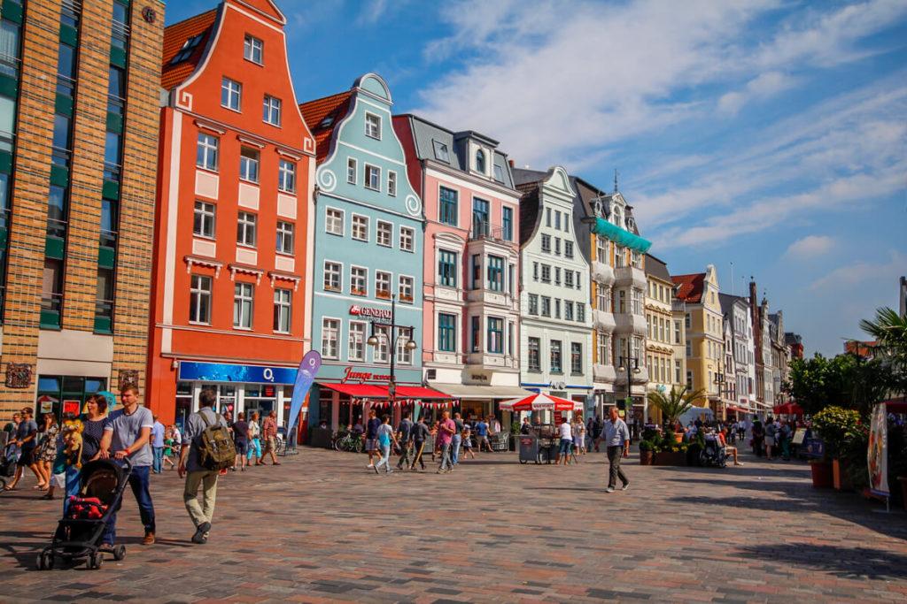 Rostock-Sehenswuerdigkeiten-Highlights-Kroepeliner-Strasse-Shopping