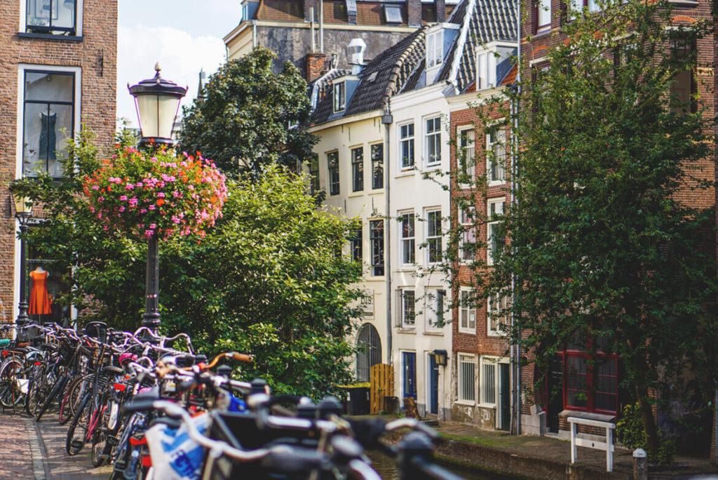 Utrecht-Highlights-Sehenswuerdigkeiten-Gassen-Grachten