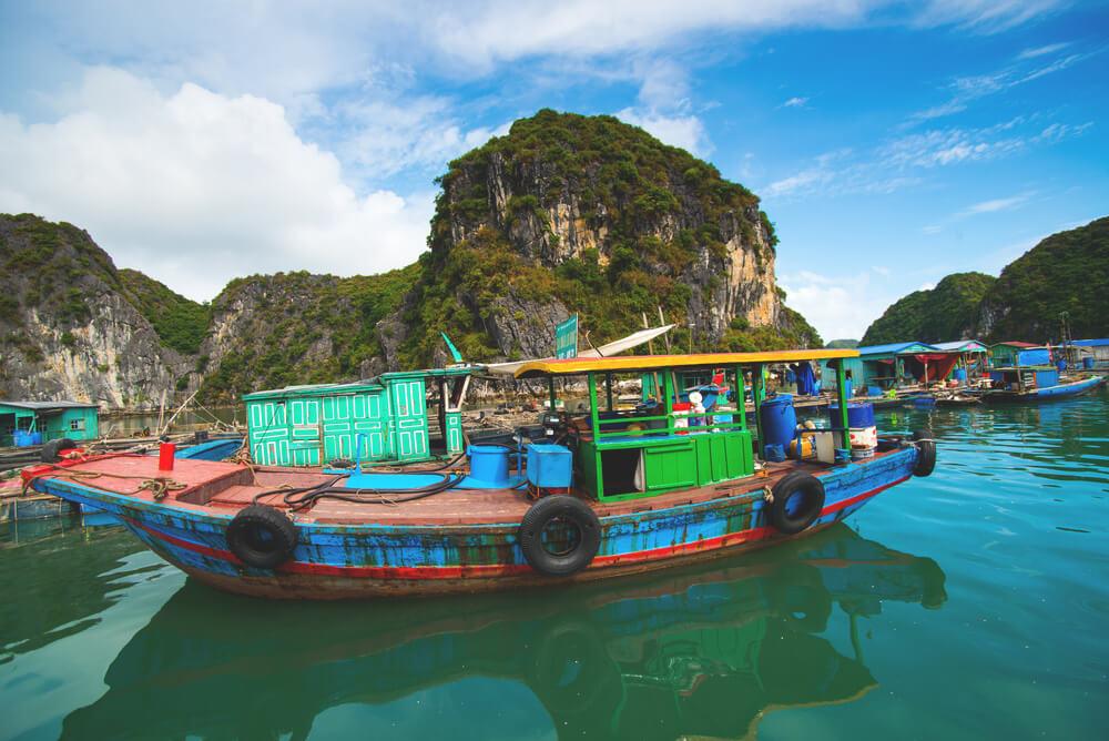Vietnam-Highlights-Cat-Ba-Island-Boot
