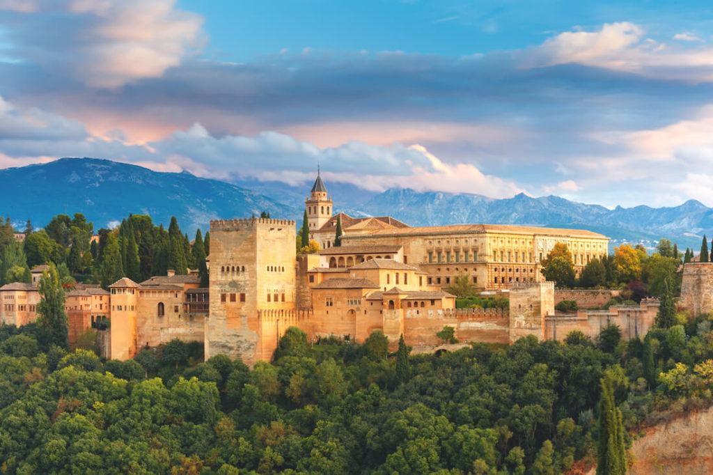 Andalusien-Sehenswuerdigkeiten-Alhambra-Grenada
