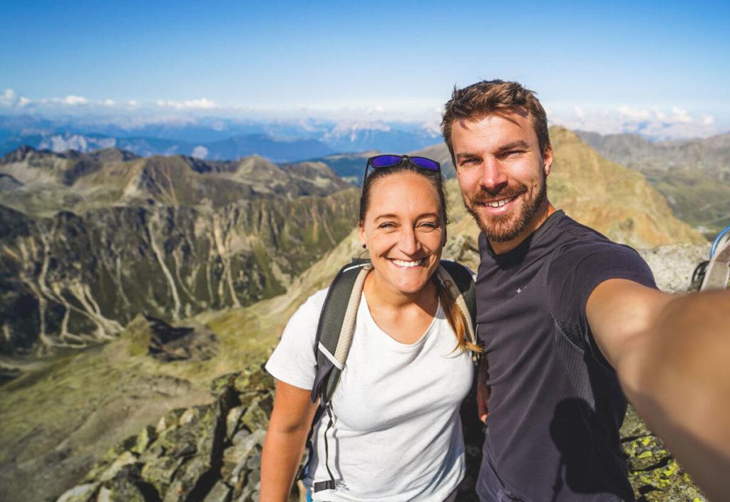 Gipfel-Sulzkogel-Oesterreich-Innsbruck-Outdoor-Aktivitaeten-Wanderung
