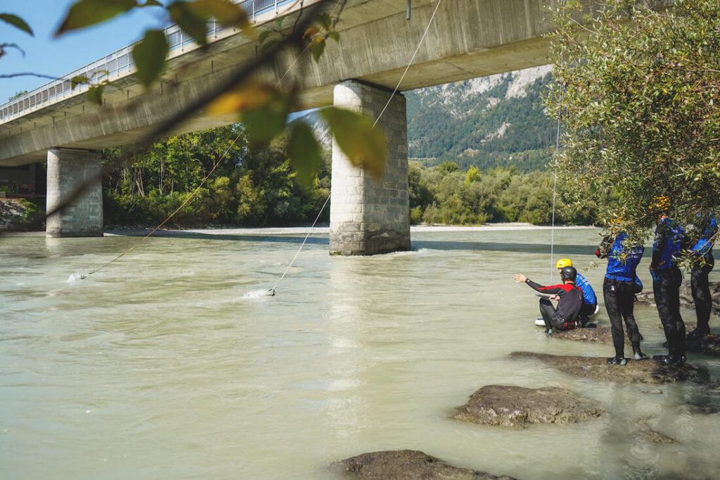 Oesterreich-Outdoor-Innsbruck-Up-Stream-Surfing