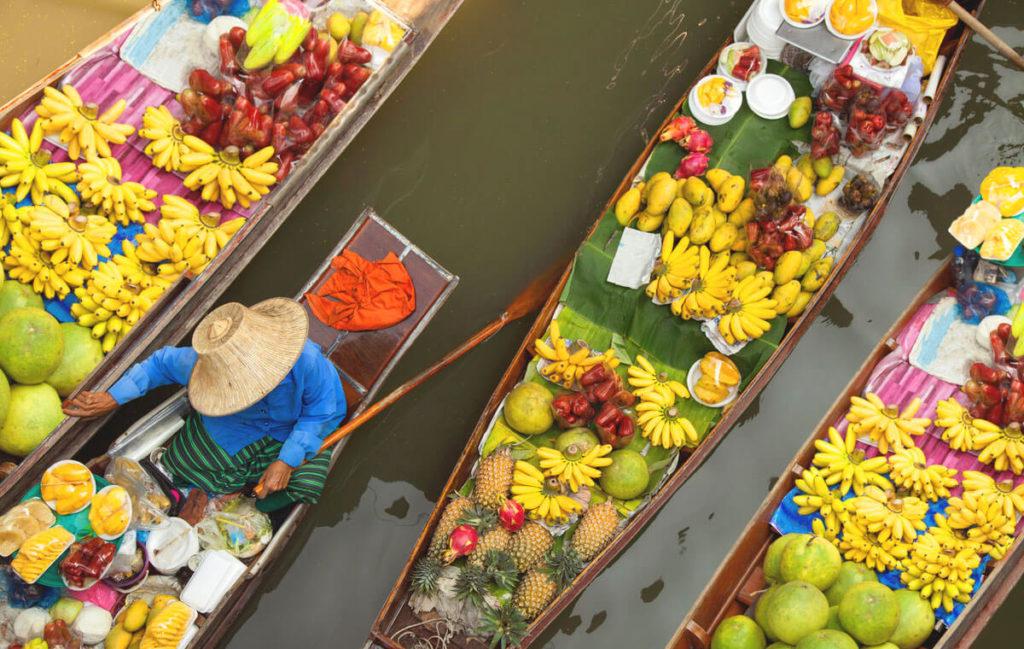 Bangkok-Sehenswuerdigkeiten-Floating-Market