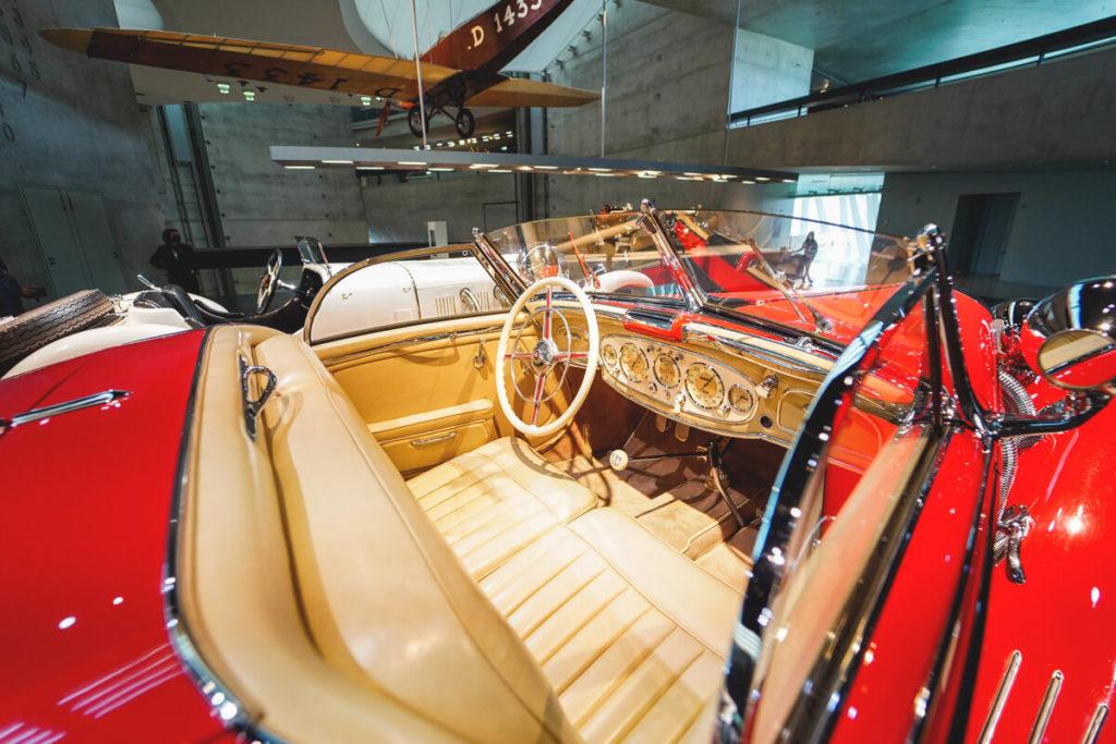 Mercedes-Benz-Museum-Stuttgart-Oldtimer-Ausstellung