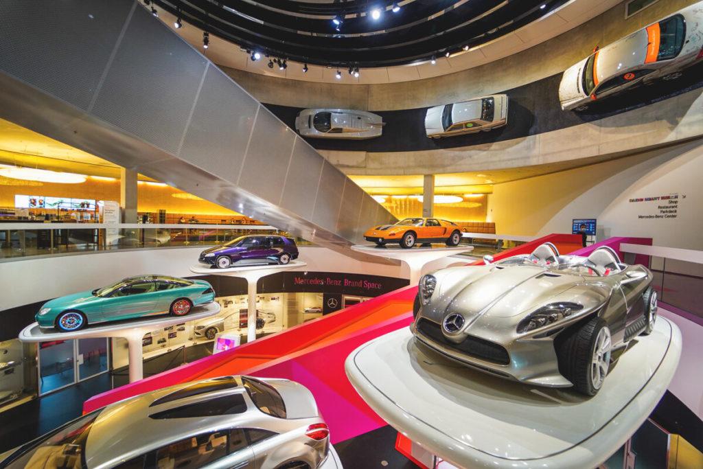Stuttgart-Highlights-Mercedes-Benz-Museum-Ausstellung