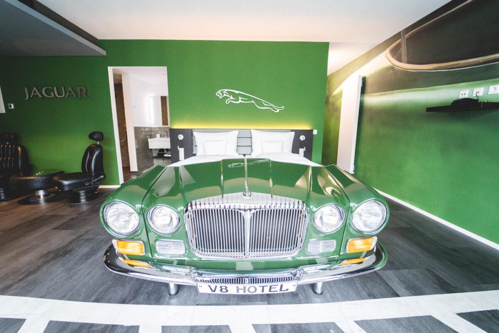 Stuttgart-Tipps-Hotel-V8-Motorworld-Themenzimmer