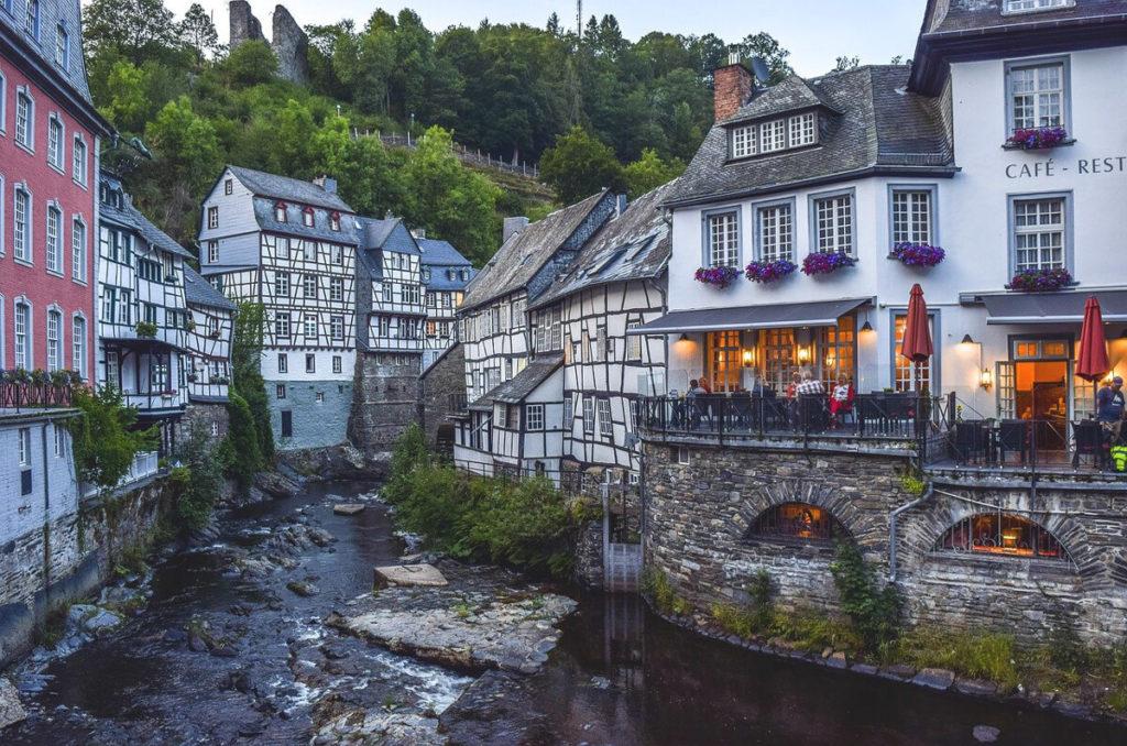 Eifel-Highlights-Monschau-Altstadt