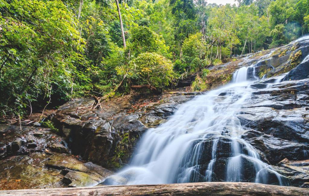 Sehenswuerdigkeiten-Khao-Lak-Ton-Chong-Fa-Wasserfall