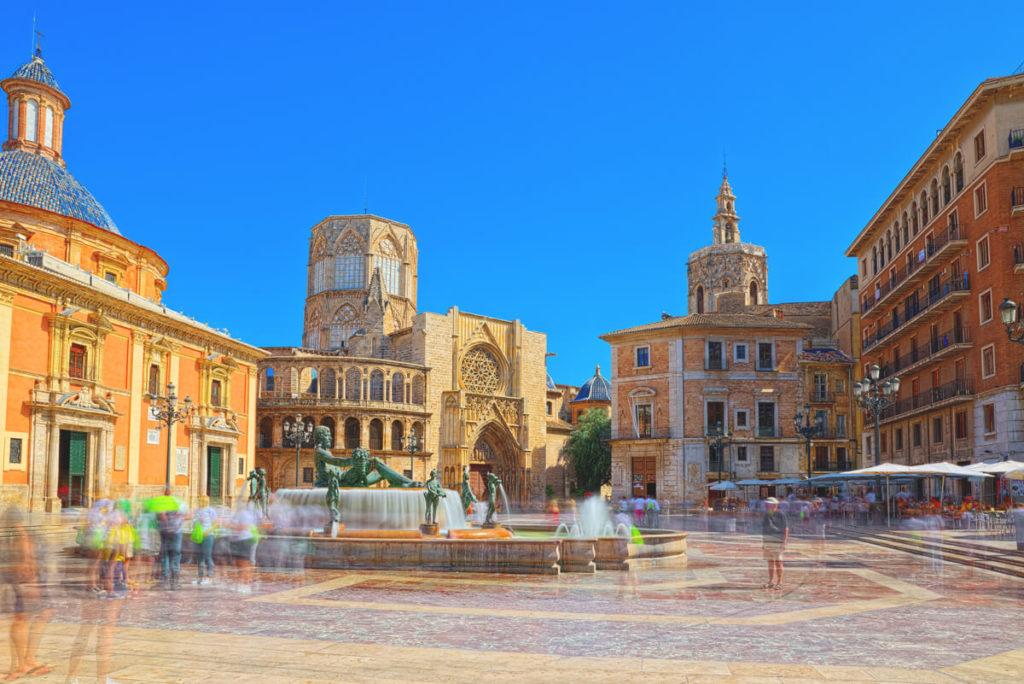 Valencia-Highlights-Platz-der-Jungfrau-Plaza-de-la-Virgen