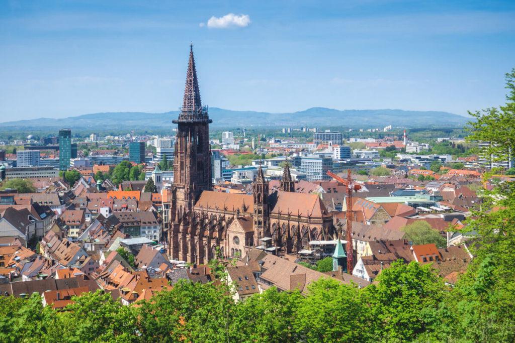 Freiburg-am-breisgau-muenster-kirche-aussicht