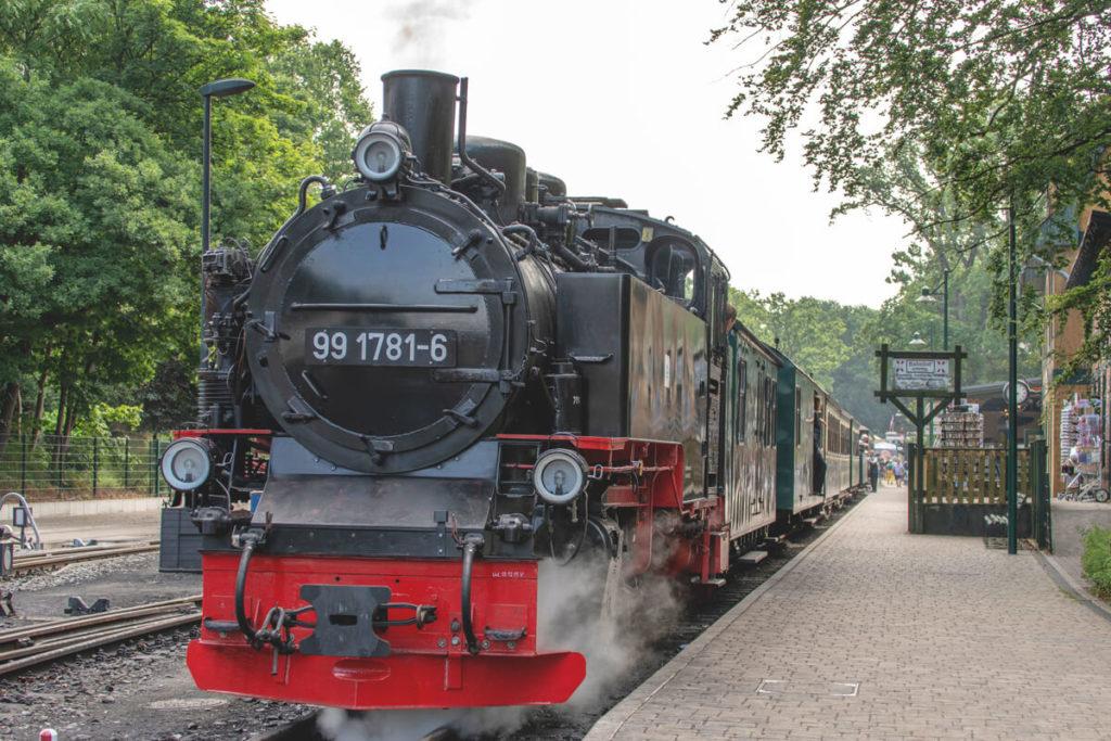 Highlights-Ruegen-Ostsee-Rasender-Roland-Lokomotive