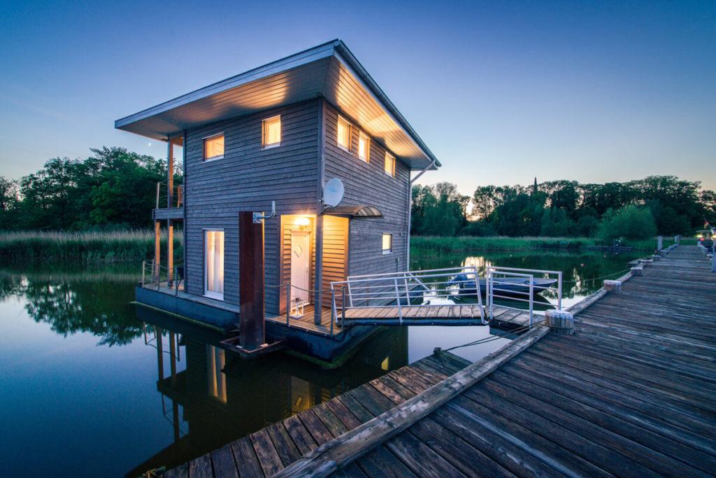 Naturhafen-Krummin-Schwimmende-Suiten-Ferienhaus-Insel-Usedom